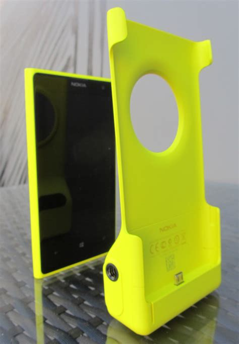 lumia 1020 grip nokia lumia 1020 the best phone but not the best