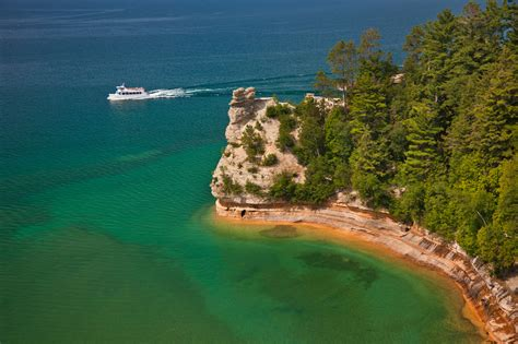 Boat Tours In Pictured Rocks by Pictured Rocks Boat Cruises Inc Mackinawinfo