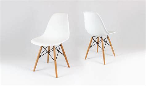 chaise blanche et bois chaise design blanche avec pieds en bois inspir du style