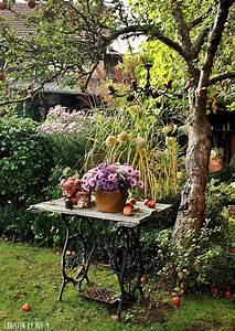 Garten Im Herbst : herbstdekoration im garten dekoideen mit pfeln herbstdeko nat rliche herbstdeko astern im ~ Watch28wear.com Haus und Dekorationen
