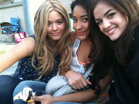 new pretty little liars character promos and behind the ...