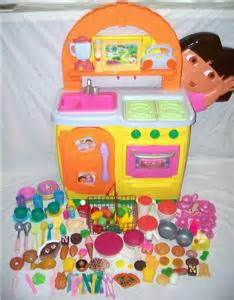 dora the explorer talking kitchen food dishes pots pans