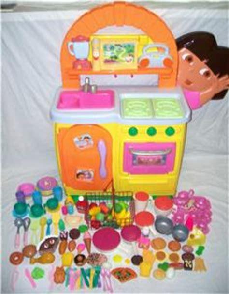 Dora The Explorer Talking Kitchen Food Dishes Pots Pans