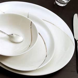 Vaisselle En Porcelaine : assiette contemporaine en porcelaine vaisselle design bruno evrard ~ Teatrodelosmanantiales.com Idées de Décoration