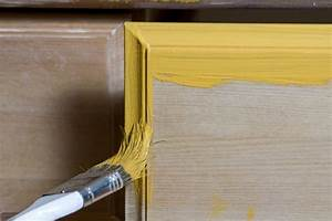 Furnierte Möbel Streichen : furnierte m bel streichen ohne abschleifen so geht 39 s ~ A.2002-acura-tl-radio.info Haus und Dekorationen