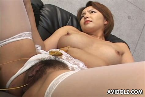 Japanese Milf Rio Kurusu Has Her Pussy Rubbed And Pleased With Vibrator Video