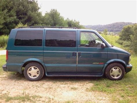 accident recorder 2002 chevrolet astro seat position control buy used 2002 chevrolet astro all wheel drive van seats 8 a great family vehicle in richland