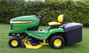 John Deere X300r  X305r Select Series Riding Lawn Tractors