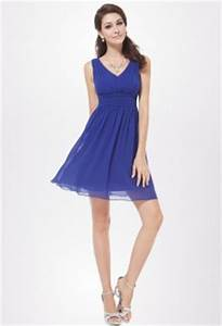 des robes de cocktail bleu marines omnipresentes aux mariages With superb bleu marine avec quelle couleur 1 robe bleu marine manches longues