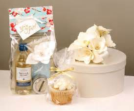 creative wedding favors creative bridal shower gifts for future married
