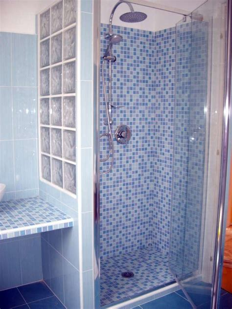 quanto costa una cornice digitale bagno con box doccia in muratura