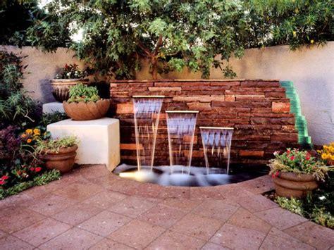 Backyards : Backyard Transformations, Projects And Ideas