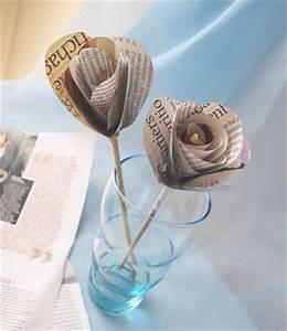 Comment Faire Des Roses En Papier : rose en papier recup tuto journal papier cadeau papier de soie famille maison ~ Melissatoandfro.com Idées de Décoration