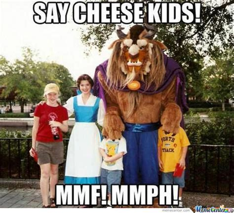 Disney Land Meme - meanwhile at disneyland meme disney memes and memes humor