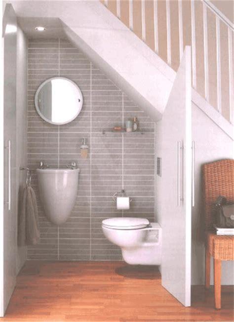 plan maison wc sous escalier