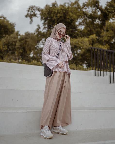inspirasi ootd hijab simpel  pergi  kampus