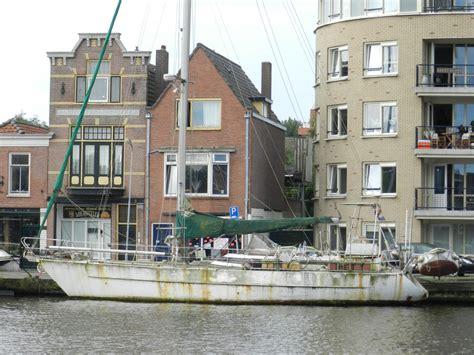 Kajuitzeilboot Te Koop Opknapper by 25 000 Afgedankte Bootjes Willen Maar Niet Vergaan Oneworld