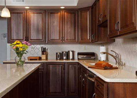 kitchen cabinets with light countertops how to pair countertop colors with cabinets in 2019
