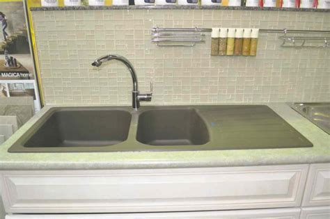 RENOVATIONS: You won't throw out these kitchen sinks