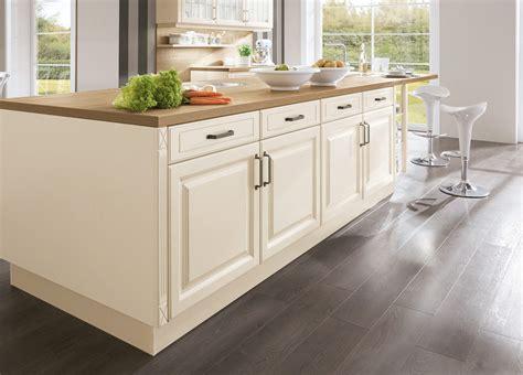 Landhaus-einbauküche Norina 8224-magnolia