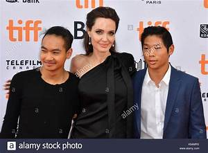 Angelina Jolie And Maddox Jolie Pitt Stock Photos ...