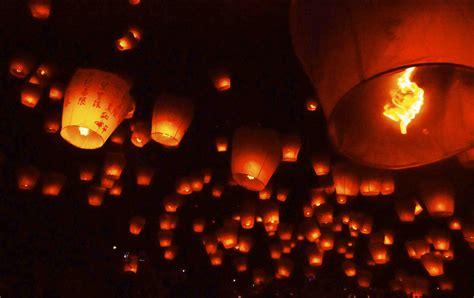 au festival des lanternes c 233 lestes de pingxi d 233 collage imm 233 diat