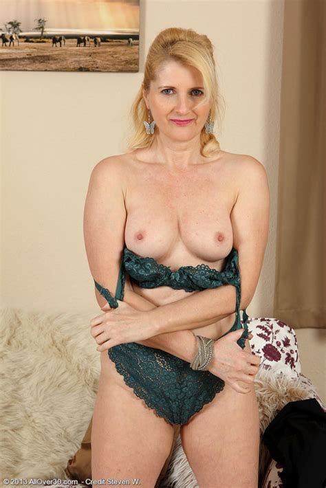 Gorgeous Year Old Jennifer B From Allover Puts On A Strip Show
