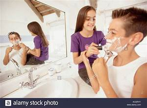 Girls in bathroom free online home decor techhungryus for Girls in bathroom with boys