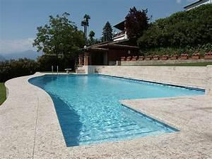 Realizzazione piscine a Skimmer a Como, Milano, Lecco, Varese