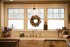 Golden Boys and Me: Winter in our Kitchen