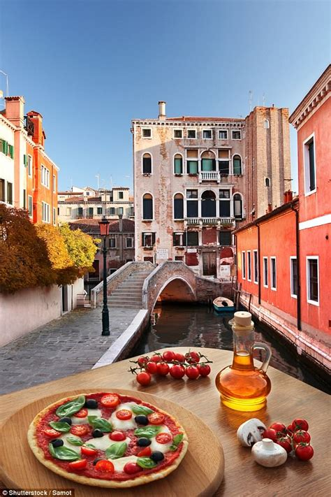 Best Pizza Venice by The Best Places To Get Pizza In Venice Daily Mail