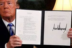 Now we know why Donald Trump's signature is so big | Metro ...