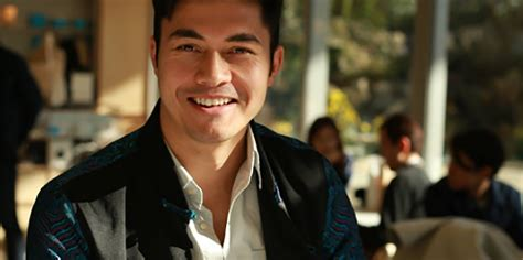 henry golding sexy henry golding to co star with blake lively and anna