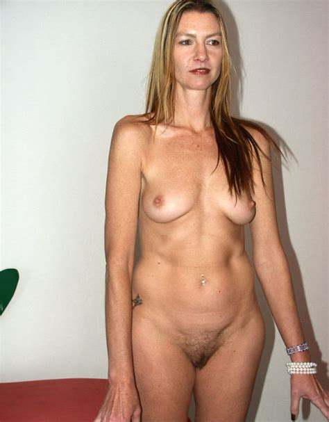 Slim Mature Amateur Blonde Posing Pichunter