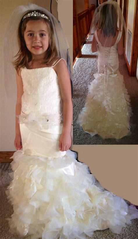 flower girl dresses   match  brides wedding dress