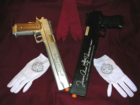 Hellsing Pistols By Gothx On Deviantart