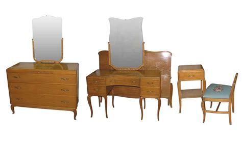 Deco Bedroom Set by Deco 1940s Mahogany Bedroom Set Olde Things