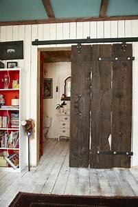 Porte Industrielle Coulissante : la porte coulissante pour la salle de bain ~ Teatrodelosmanantiales.com Idées de Décoration