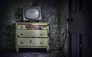 Image Vintage Old TV set