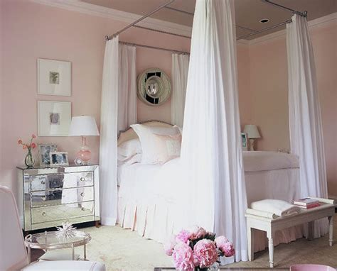 pink bedroom decorated  phoebe howard hooked  houses