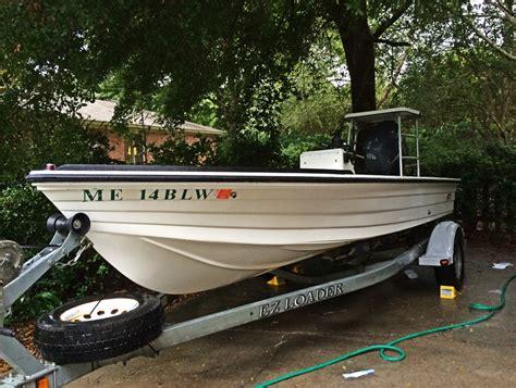 Hewes Boats Charleston Sc by 1995 Hewes 18 Bayfisher W 2004 Yamaha 115 4 Stroke