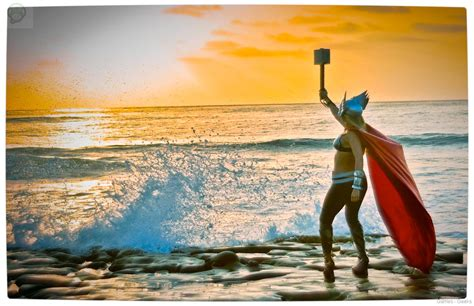 Cosplay Lady Thor 25