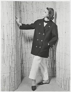 Musée Yves Saint Laurent : first pea coat mus e yves saint laurent paris ~ Melissatoandfro.com Idées de Décoration