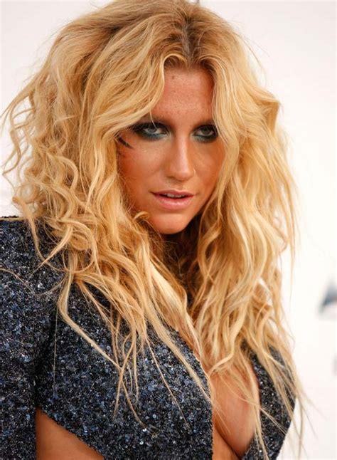 Medium Length Wavy Hairstyles For Women Elle Hairstyles