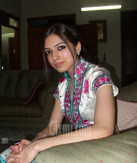 Pakistan Hot Girls From Pakistan With Lover And Many More