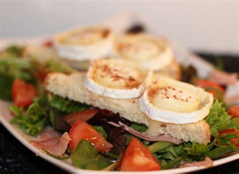 plats cuisines chèvre chaud sur toast la fontaine d 39 italie pizzeria