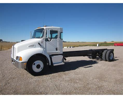 heavy duty kenworth trucks for 2006 kenworth t300 heavy duty cab chassis truck for sale
