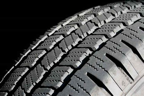 How To Save By Taking Care Of Your Car Tyres