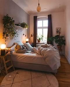Wg Zimmer Einrichten : tv video in 2020 wg zimmer zimmer einrichten und wohnen ~ Watch28wear.com Haus und Dekorationen