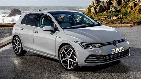 Volkswagen golf 8 (2019) innovision cockpit after 45 years, seven generations, and 35 million cars sold, the vw golf is waving goodbye to the analog instrument cluster. Nuova Volkswagen Golf, in Italia da marzo: ecco i prezzi ...